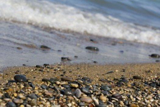 948427-las-olas-rompiendo-sobre-la-arena-y-de-cantos-rodados-de-playa samhain Últimas Recomendaciones para Celebrar Samhain 948427 las olas rompiendo sobre la arena y de cantos rodados de playa