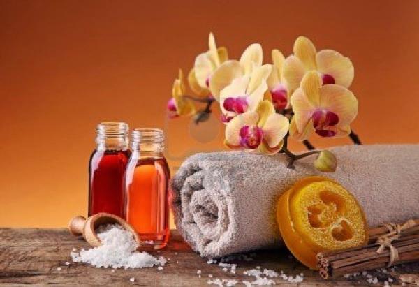 9326181-spa-bodegon-con-aceites-esenciales-y-orquidea1