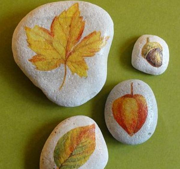 originales-piedras-decoradas-con-decoupage