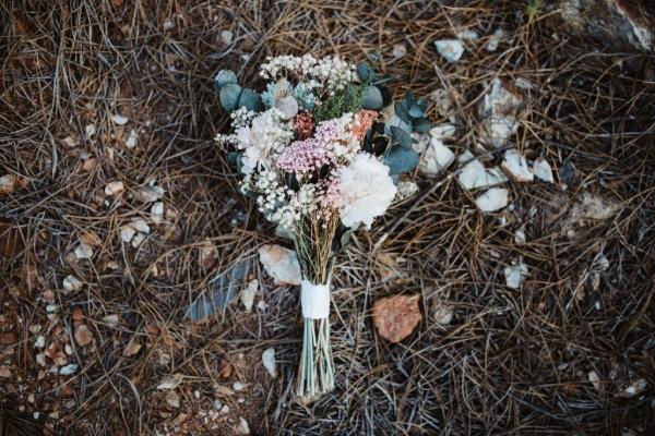 ramo-de-novia-preservado-con-eucalipto-flores-silvestres-paniculata-y-hortensia_8-1024x683