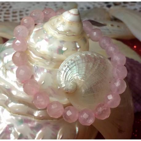 1045_abrir-los-caminos-del-amor-con-el-cuarzo-rosa-de-la-diosa-aine