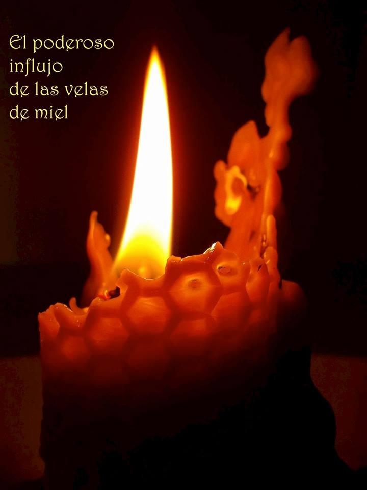 Hacer magia con las velas de miel para atraer la suerte y el dinero velas de miel cosas de meiga - Velas de miel ...
